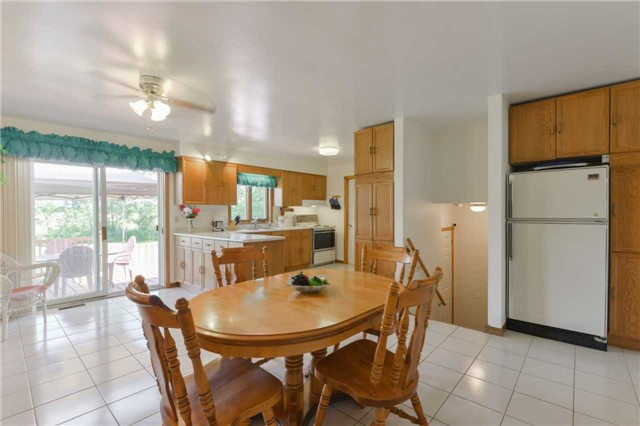 Detached at 1180 Belle Aire Beach Rd, Innisfil, Ontario. Image 11
