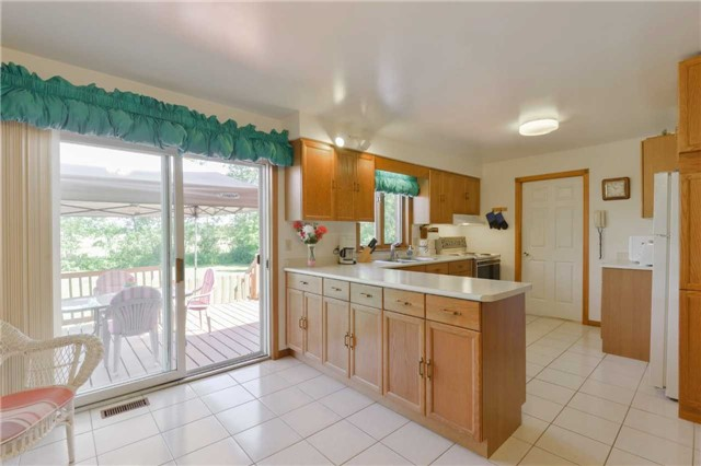 Detached at 1180 Belle Aire Beach Rd, Innisfil, Ontario. Image 12