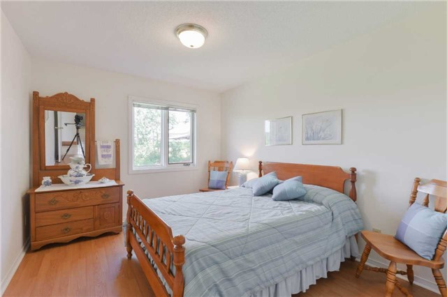 Detached at 1180 Belle Aire Beach Rd, Innisfil, Ontario. Image 15