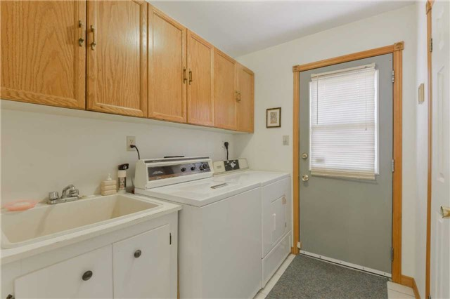 Detached at 1180 Belle Aire Beach Rd, Innisfil, Ontario. Image 3