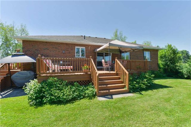 Detached at 1180 Belle Aire Beach Rd, Innisfil, Ontario. Image 4