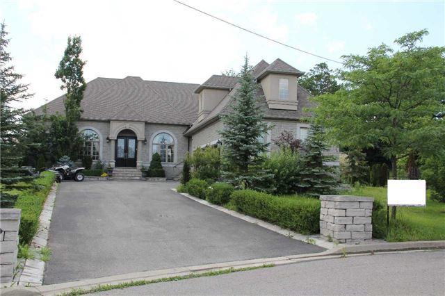 Detached at 18 Greystone Gate, Vaughan, Ontario. Image 1