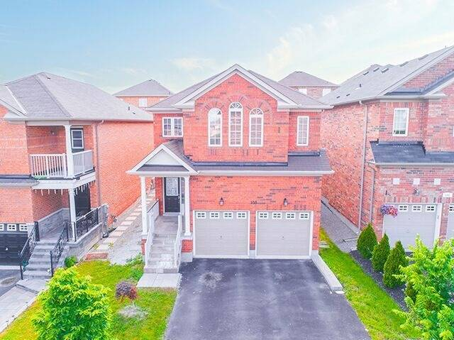 Detached at 103 Hawkes Dr, Richmond Hill, Ontario. Image 1