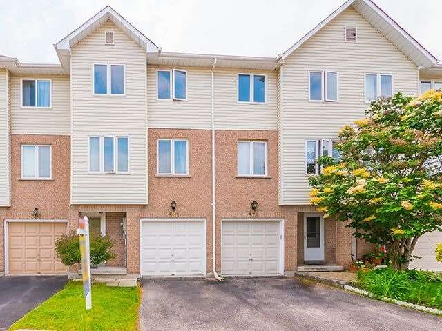 Condo Townhouse at 380 Riddell Crt, Newmarket, Ontario. Image 1