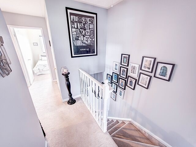 Condo Townhouse at 380 Riddell Crt, Newmarket, Ontario. Image 2