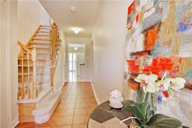 Townhouse at 538 Rourke Pl, Newmarket, Ontario. Image 12