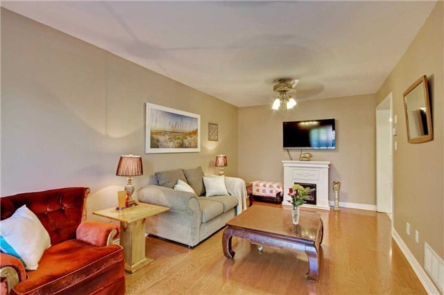 Townhouse at 538 Rourke Pl, Newmarket, Ontario. Image 13