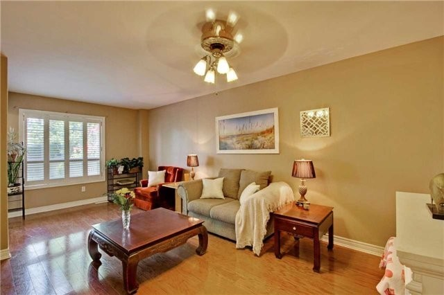 Townhouse at 538 Rourke Pl, Newmarket, Ontario. Image 14