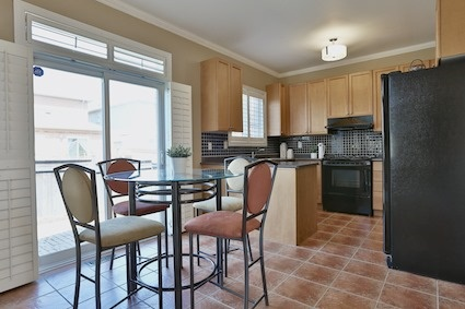 Detached at 46 Teal Cres, Vaughan, Ontario. Image 2