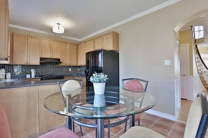 Detached at 46 Teal Cres, Vaughan, Ontario. Image 3