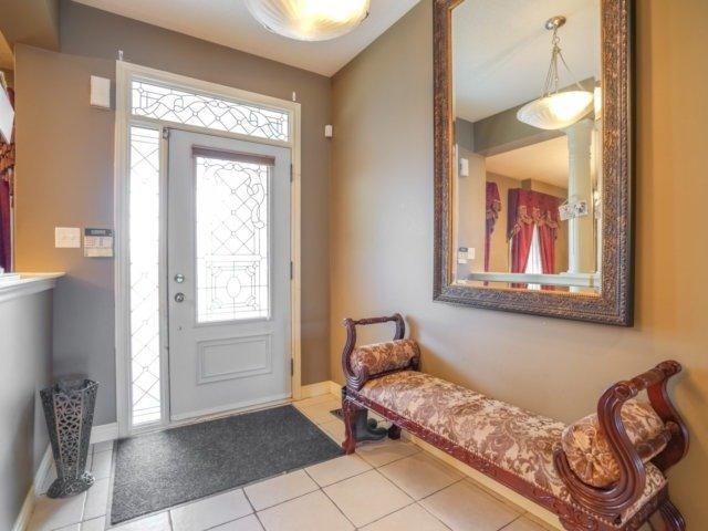 Detached at 21 Dunnet St, Markham, Ontario. Image 12