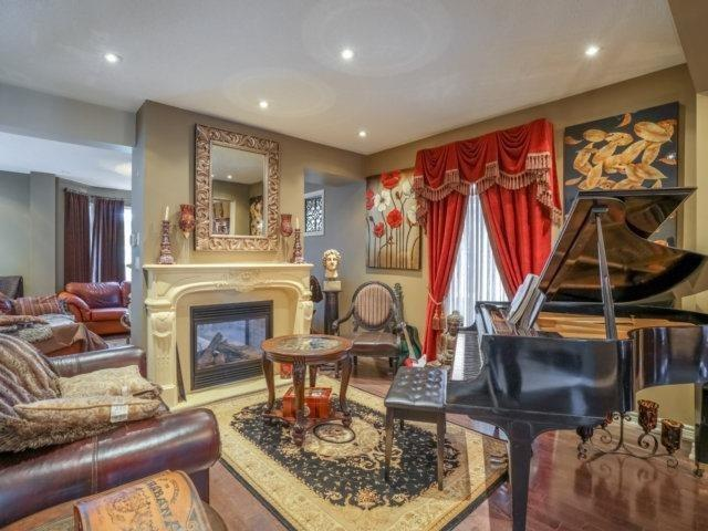 Detached at 21 Dunnet St, Markham, Ontario. Image 14