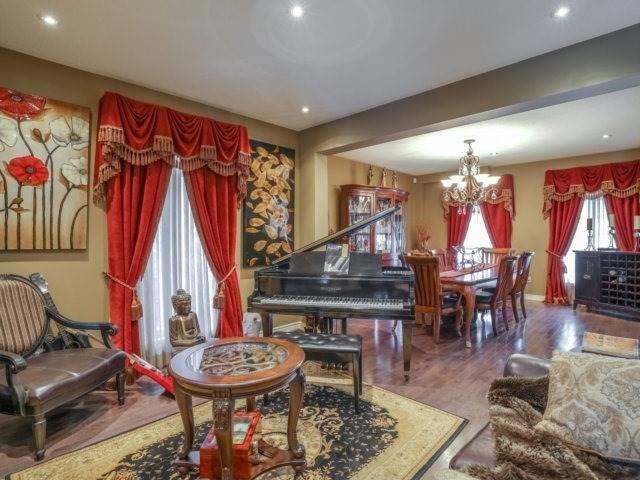 Detached at 21 Dunnet St, Markham, Ontario. Image 15