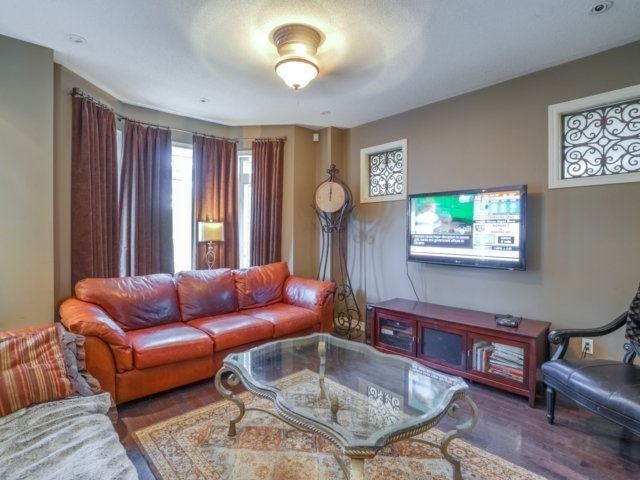 Detached at 21 Dunnet St, Markham, Ontario. Image 16