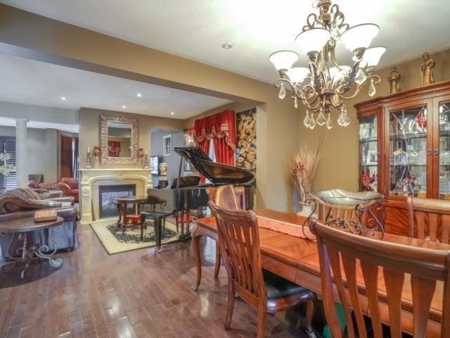 Detached at 21 Dunnet St, Markham, Ontario. Image 19