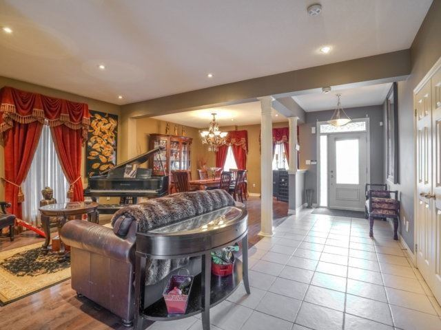 Detached at 21 Dunnet St, Markham, Ontario. Image 20
