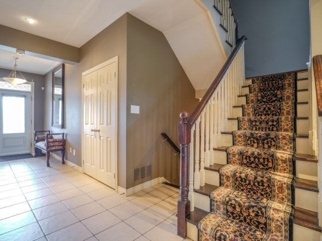 Detached at 21 Dunnet St, Markham, Ontario. Image 3