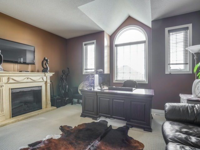 Detached at 21 Dunnet St, Markham, Ontario. Image 4