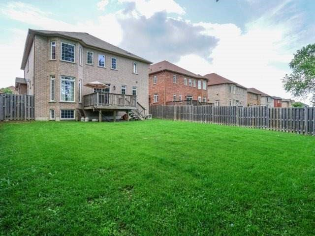 Detached at 21 Dunnet St, Markham, Ontario. Image 10