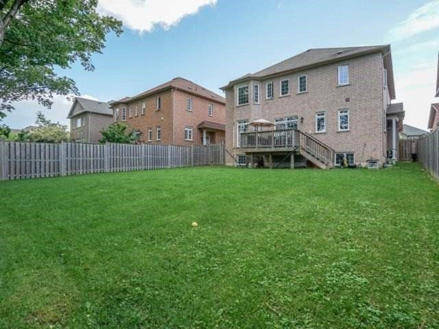 Detached at 21 Dunnet St, Markham, Ontario. Image 13