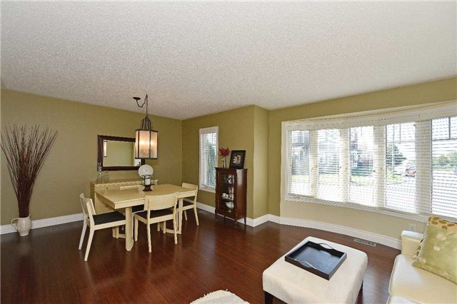 Townhouse at 38 Murray Wilson Dr, Markham, Ontario. Image 12