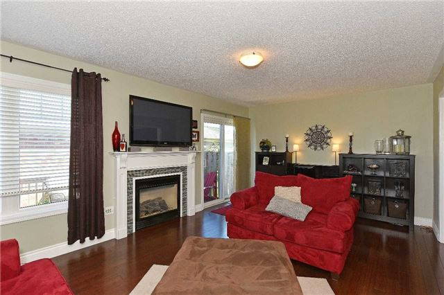 Townhouse at 38 Murray Wilson Dr, Markham, Ontario. Image 15