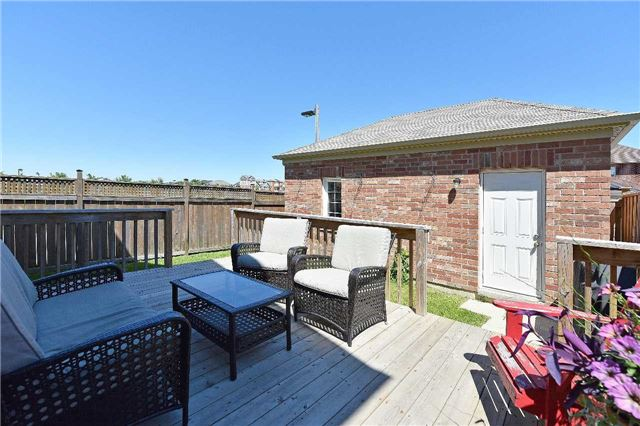 Townhouse at 38 Murray Wilson Dr, Markham, Ontario. Image 11