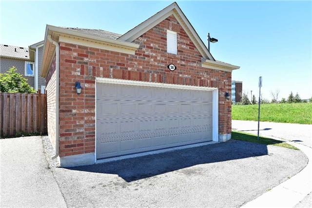Townhouse at 38 Murray Wilson Dr, Markham, Ontario. Image 13