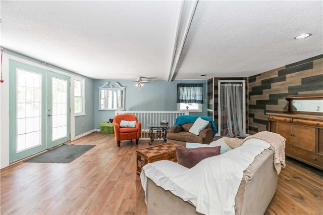 Detached at 967 7th Line, Innisfil, Ontario. Image 3