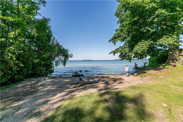 Detached at 967 7th Line, Innisfil, Ontario. Image 11