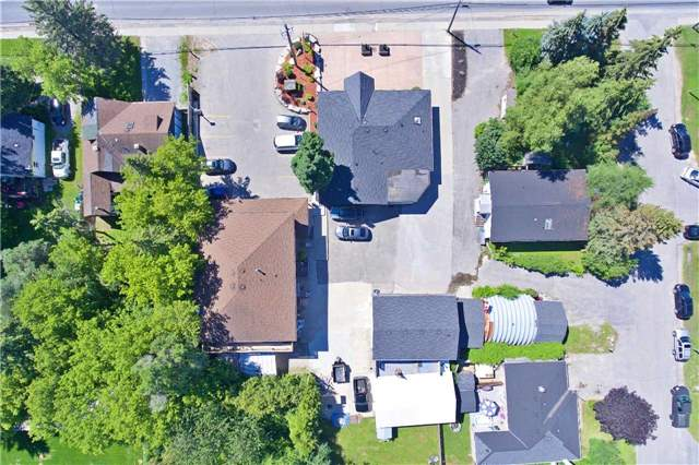 Detached at 186 King Rd, Richmond Hill, Ontario. Image 2