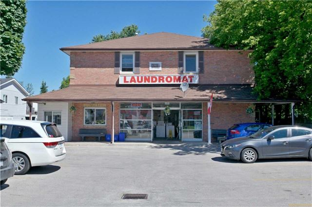 Detached at 186 King Rd, Richmond Hill, Ontario. Image 4