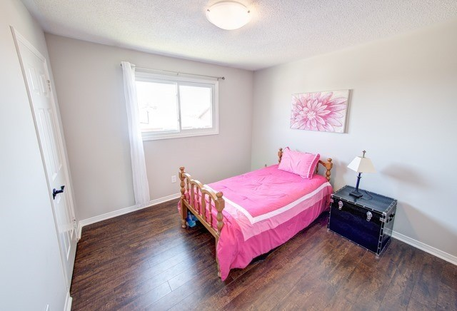 Detached at 211 Savage Rd, Newmarket, Ontario. Image 19