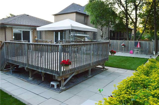 Detached at 75 Sussex Ave, Richmond Hill, Ontario. Image 15