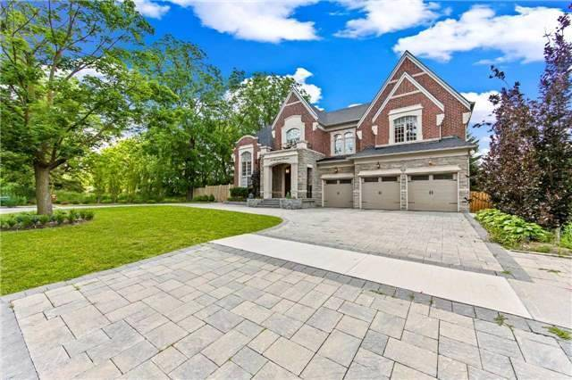 Detached at 21 Sunnywood Cres, Richmond Hill, Ontario. Image 1
