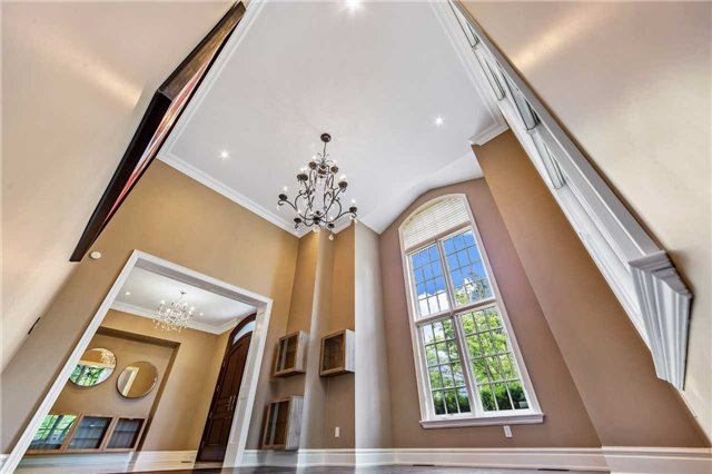Detached at 21 Sunnywood Cres, Richmond Hill, Ontario. Image 17