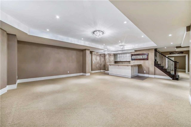 Detached at 21 Sunnywood Cres, Richmond Hill, Ontario. Image 11