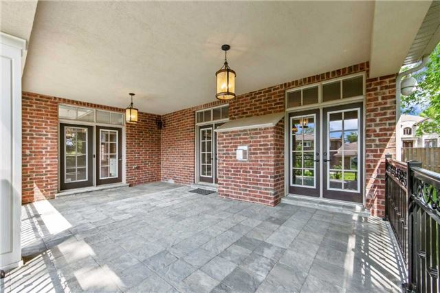 Detached at 21 Sunnywood Cres, Richmond Hill, Ontario. Image 13