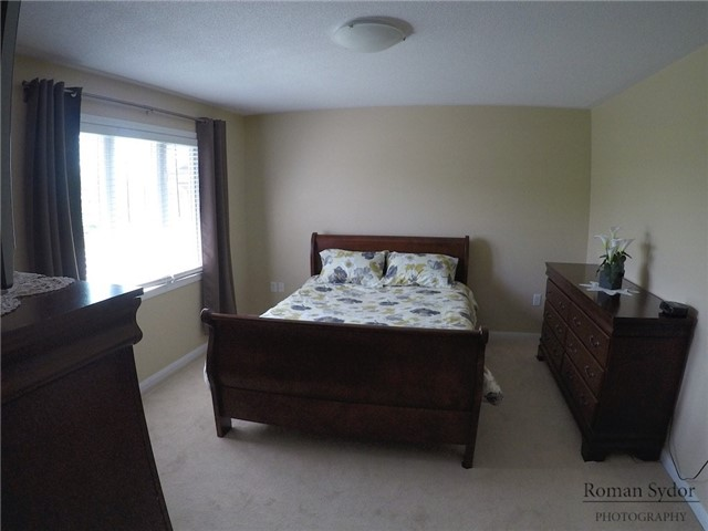 Semi-detached at 219 Weldon Rd, Whitchurch-Stouffville, Ontario. Image 3