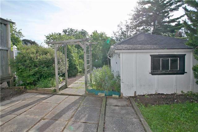 Semi-detached at 45 Jerman St, Markham, Ontario. Image 8