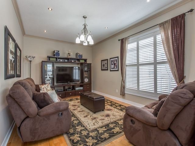 Detached at 54 St Urbain Dr, Vaughan, Ontario. Image 16