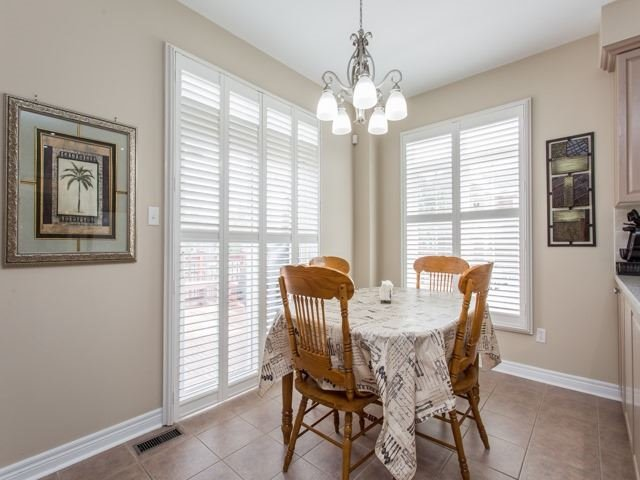 Detached at 54 St Urbain Dr, Vaughan, Ontario. Image 17