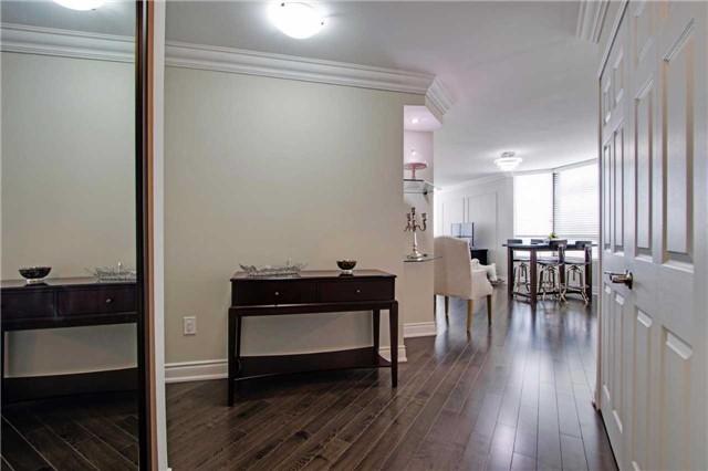 Condo Apartment at 7440 Bathurst St, Unit 814, Vaughan, Ontario. Image 16