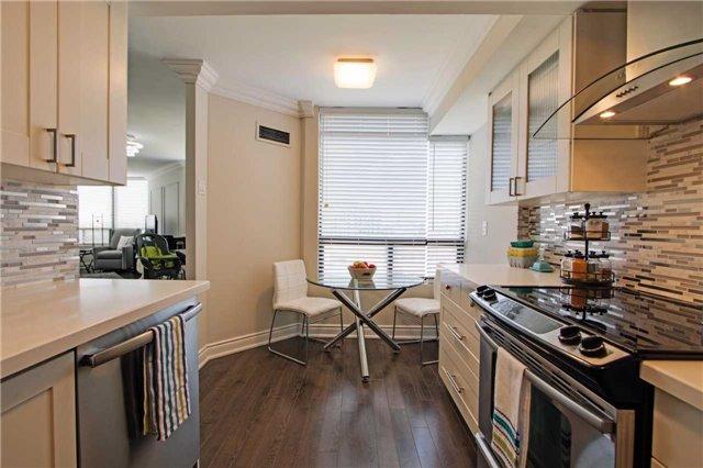 Condo Apartment at 7440 Bathurst St, Unit 814, Vaughan, Ontario. Image 3