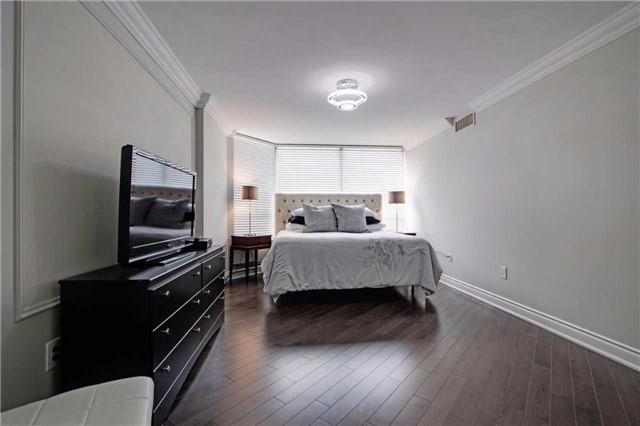 Condo Apartment at 7440 Bathurst St, Unit 814, Vaughan, Ontario. Image 4