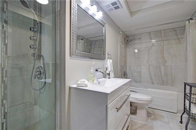 Condo Apartment at 7440 Bathurst St, Unit 814, Vaughan, Ontario. Image 6