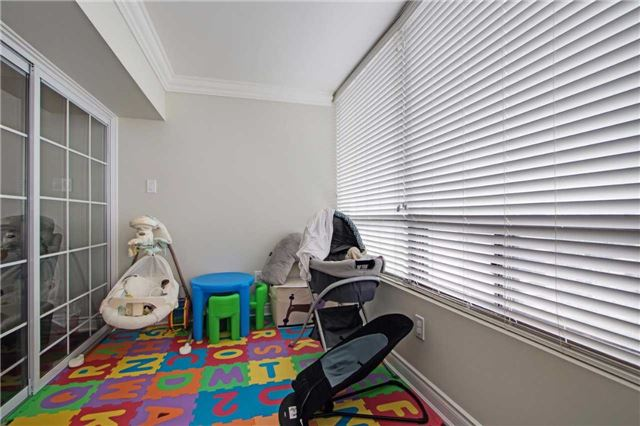 Condo Apartment at 7440 Bathurst St, Unit 814, Vaughan, Ontario. Image 8