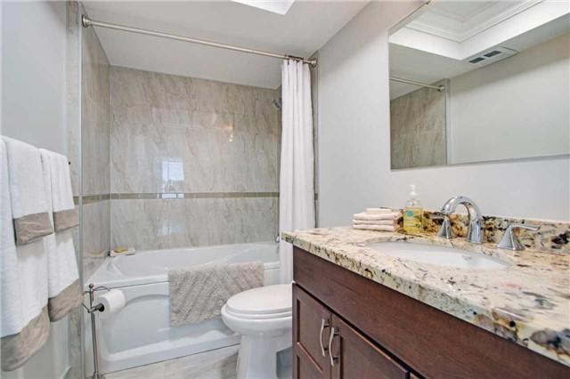 Condo Apartment at 7440 Bathurst St, Unit 814, Vaughan, Ontario. Image 9