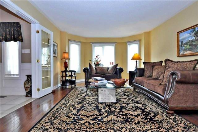 Detached at 851 Tegal Pl, Newmarket, Ontario. Image 14