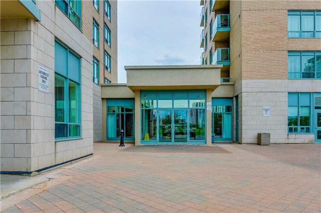Condo Apartment at 23 Oneida Cres, Unit 701, Richmond Hill, Ontario. Image 4